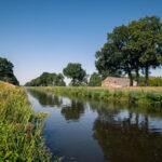Wandelen en fietsen langs het kanaal op rustige kleine camping in Drenthe