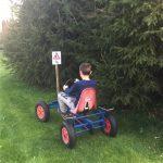 Rijden op de skelterbaan op minicamping Drentsheerlijk