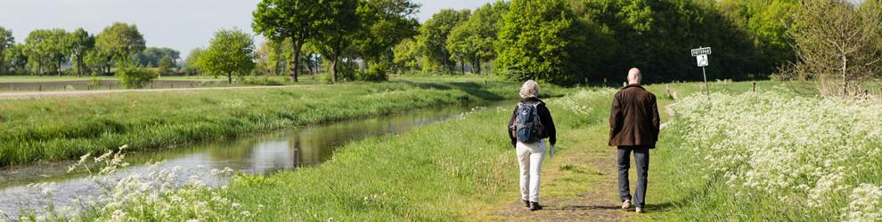 Haal- en brengservice voor wandelaars op minicamping Drentsheerlijk in Drenthe